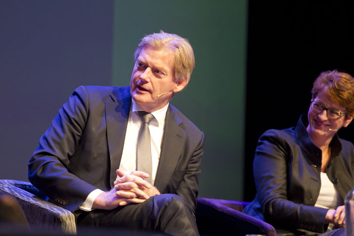 Van Rijn tijdens panel discussie congres cliëntenraden