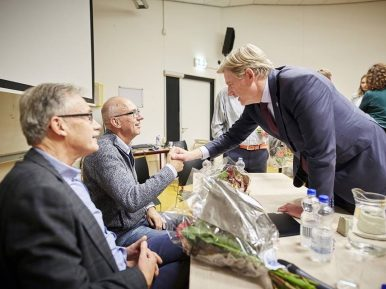 Afbeelding bij 'Henk, Ger en Peter spreken met Van Rijn over dementie'