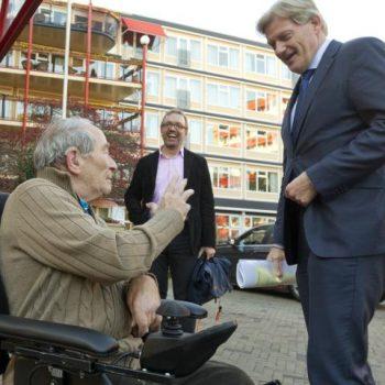 Afbeelding bij 'Van Rijn: 'Werk en mantelzorg mogen elkaar nooit uitsluiten''