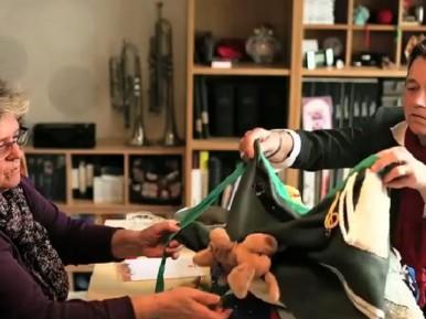Afbeelding bij 'Voelschorten voor ouderen met dementie ook betekenisvol voor makers'