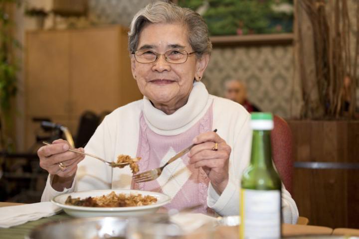 Mevrouw Hagen eet bij Nusantara