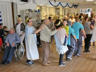 Afbeelding bij 'TanteLouise-Vivensis: Dansen maakt gelukkig'