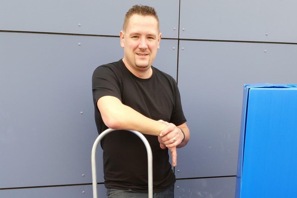 Portret van Donny Zwennes, verhuizer van mensen met dementie