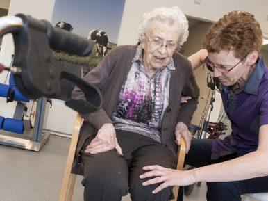 Afbeelding bij 'Vallen van ouderen in verpleeghuizen vaak simpel te voorkomen'