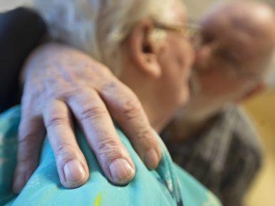 Afbeelding bij '5 tips om intimiteit in het verpleeghuis onder de aandacht te brengen'