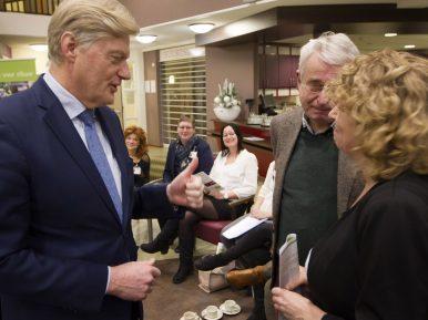 Afbeelding bij 'Verslag: Staatssecretaris Van Rijn in gesprek over werken in verpleegzorg'