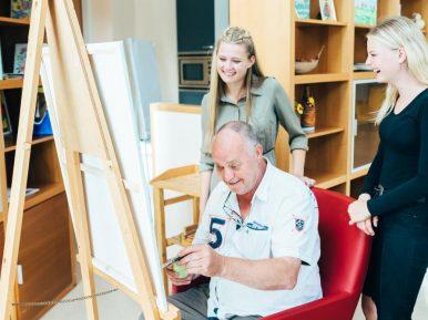 """Afbeelding bij 'Piet Sijm, bewoner zorgcentrum Overvest (Omring) """"Er zit weer léven in mijn d..'"""