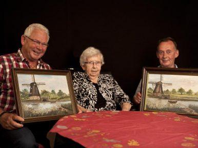 Afbeelding bij 'Familiezorg bij Laverhof: Schilderijencollages van familieherinneringen'