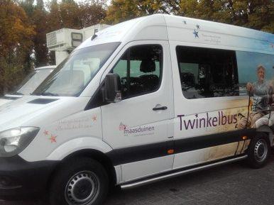 Afbeelding bij 'Twinkelbus Maasduinen zorgt voor twinkelende ogen bij bewoners'
