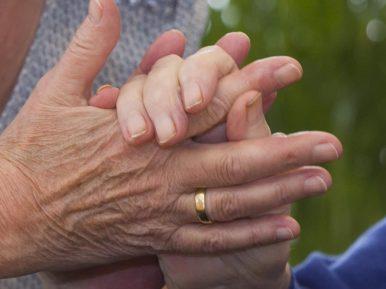 Afbeelding bij 'Tineke Jager (teamleider, SVRZ): Aan de hand van mijn moeder'