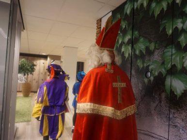 Afbeelding bij 'Sinterklaasfeest brengt jong en oud samen in het verpleeghuis'