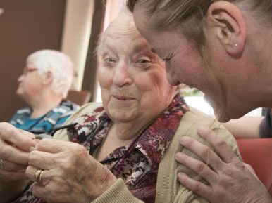 Afbeelding bij 'De sociale benadering van dementie: wat zeggen mensen met dementie zelf?'
