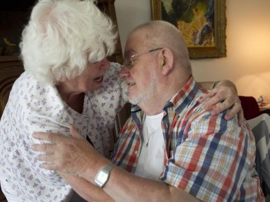 Afbeelding bij ''Seks en intimiteit is van alle leeftijden. Deze behoefte verdwijnt niet&#..'