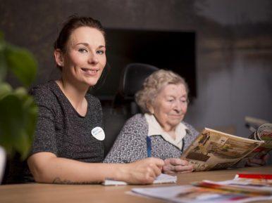 Afbeelding bij 'Nikita is zij-instromer in de ouderenzorg: 'Dit voelt voor mij als thuiskomen�..'