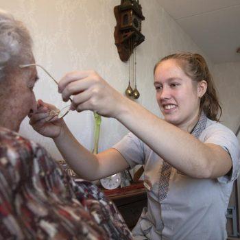 Afbeelding bij 'Zorggroep Elde Maasduinen gaat geluksniveau bewoners en medewerkers oppeppen'