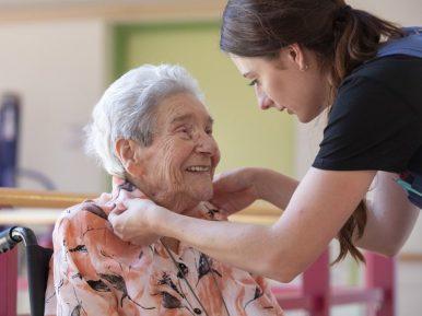 Afbeelding bij 'Werkplezier in de zorg: 3 verhalen van zorgmedewerkers'