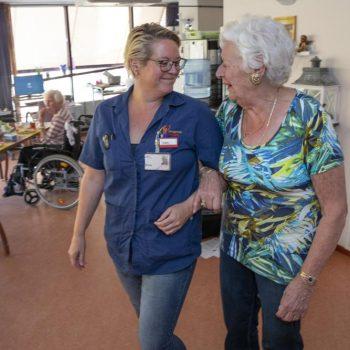 Afbeelding bij 'Zuster Inge: 3 grapjes van mensen met dementie'