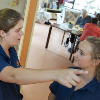 Afbeelding bij 'Zelfsturende teams bij Zorgcentra De Betuwe: 'Wie ben ik om goede zorg te beperken met formulier?''