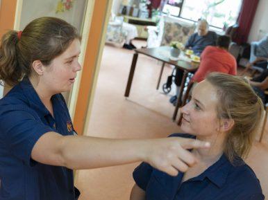 Afbeelding bij 'Zelfsturende teams bij Zorgcentra De Betuwe: 'Wie ben ik om goede zorg te bepe..'