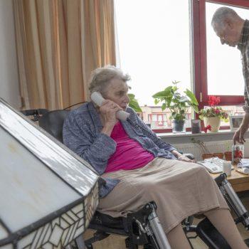 Afbeelding bij 'Ouderen met dementie zingen mee met Wonderfoon'