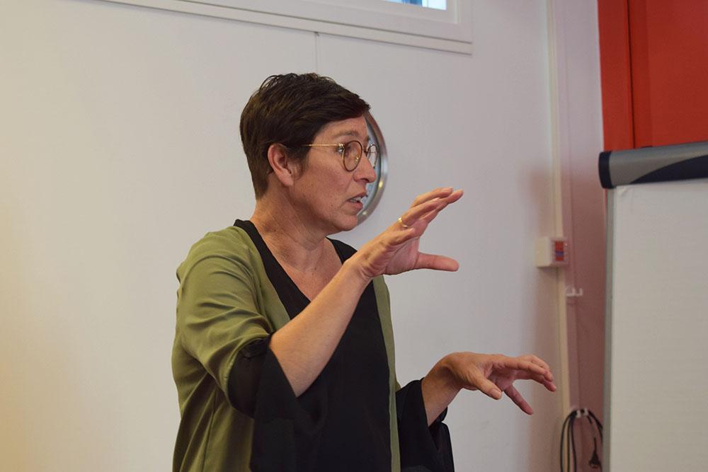 Angela Woestenburg op de themabijeenkomst zinvolle daginvulling
