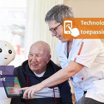 Afbeelding bij 'Zorgrobot Pepper helpt bewoners herinneren aan hun therapieafspraken'