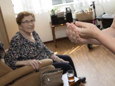 Afbeelding bij 'Zuster Inge: 'Een lieve vrouw met een gebruiksaanwijzing''