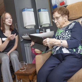 Afbeelding bij 'Tijdbesparende technologie in de ouderenzorg gezocht'