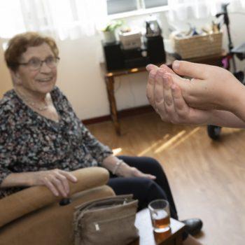 Afbeelding bij 'Per 8 maart 2021 versoepeling bezoekregeling verpleeghuizen voor gevaccineerde bewoners'