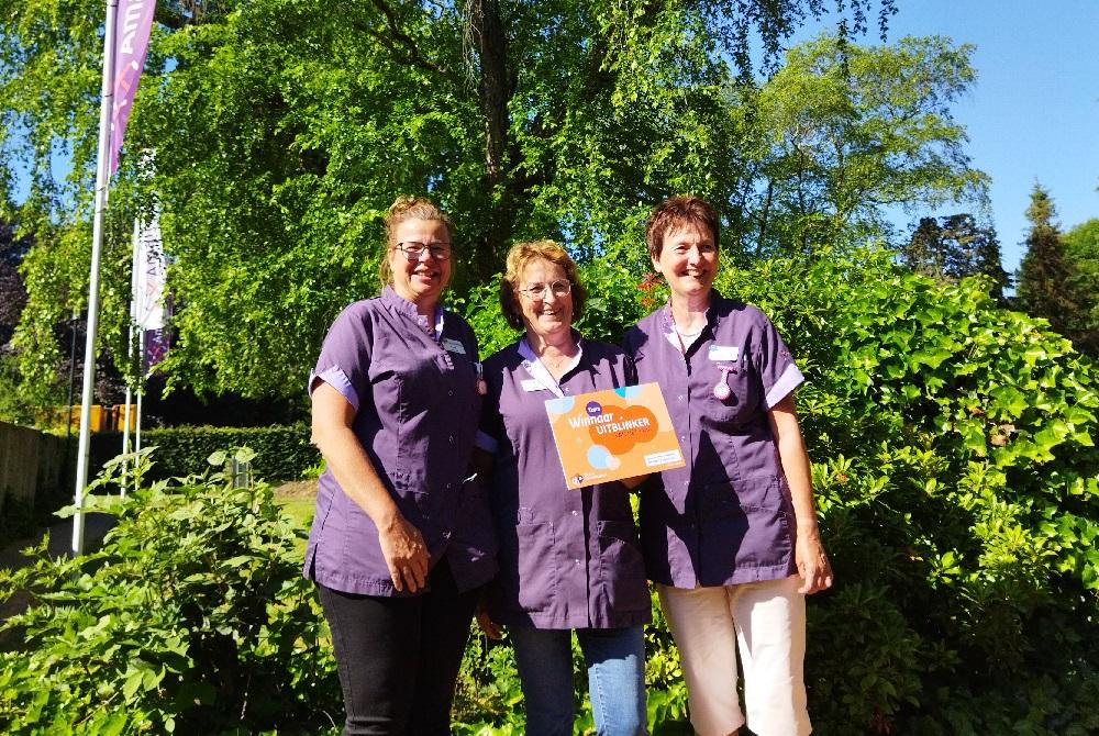 Team facilitaire dienst Amaliazorg winnaar Uit-Blinker van het jaar